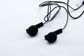 一对黑色耳机