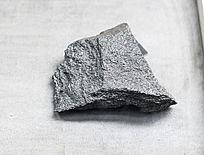 方形电气石