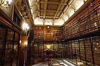 尚蒂伊城堡书房全景