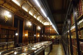 尚蒂伊城堡书房透视景观