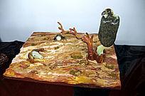 牛骷髅与树枝的秃鹫雕件