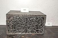老式的樟木盒