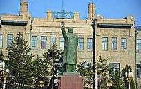 毛泽东建筑雕像