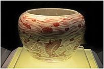 清代粉彩鱼藻纹瓷罐
