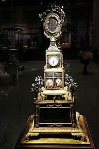 清代铜镀金跑人水法转花钟