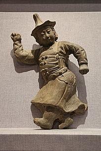 元代的戴帽舞蹈陶男俑