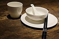 白瓷碗碟子