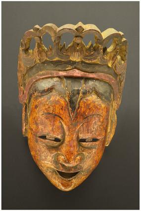 女性人物面具木雕