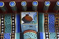 长廊彩绘陶罐如意