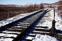 木质枕木铁轨