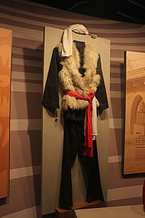 蒙古族男装