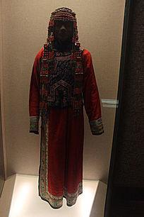 清代蒙古族妇女盛装