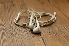白色耳机线