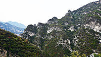 高大的青山-山峰景观
