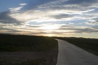 黄昏时的草原