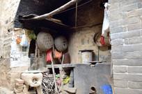 老宅里的炤台-豫东民居