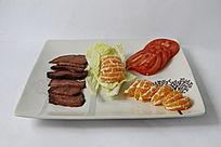 拼盘果蔬牛肉