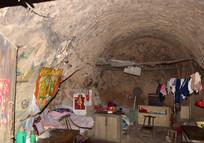 破旧的老窑洞-豫东民居
