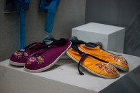 侗族绣花鞋