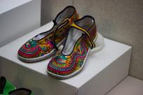 汉族绣花鞋