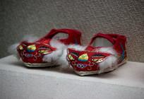 靖西壮族孩童鞋子