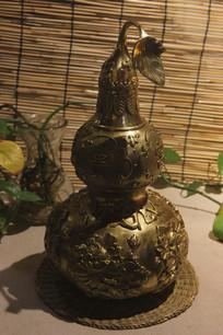 刻莲花金刚葫芦铜雕