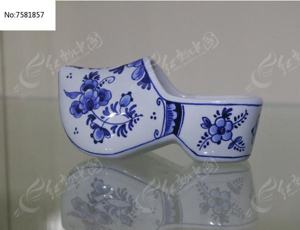 青瓷鞋子图片