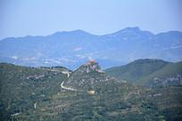 山顶的寺庙建筑
