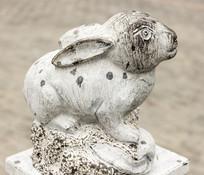 十二生肖卯兔动物塑像