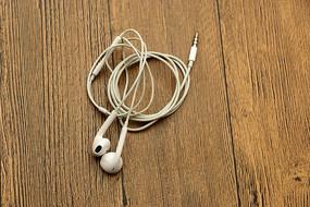 桌上耳机线