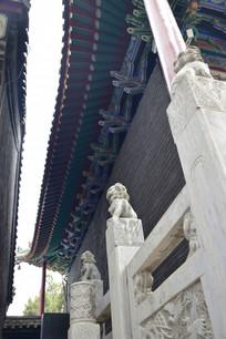 古建筑和石狮子