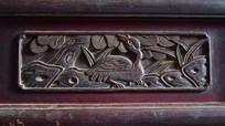 鸟形图案简单木雕