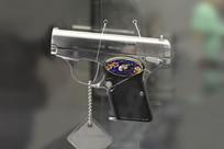 中国八四式镀银工艺手枪