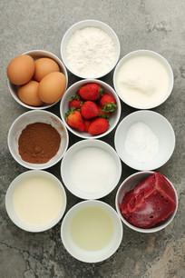 草莓慕斯蛋糕食材