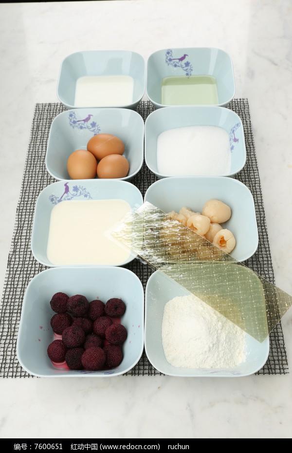琥珀荔枝杨梅慕斯蛋糕食材图片