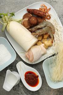 娘惹海鲜叻萨狮城炒萝卜糕食材