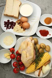 圣诞烤鸡蔓越梅汁面包布丁食材