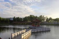 夕阳公园水上凉亭