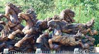 奔跑的骏马木雕艺术