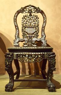 精致木雕座椅图片