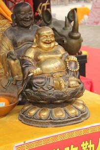 弥勒佛雕塑图片
