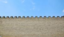 青砖古城墙的垛口