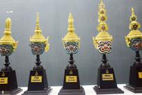 金冠佛头雕塑展示
