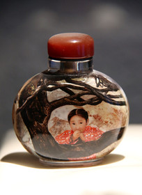 玻璃艺术品内画小女孩鼻烟壶