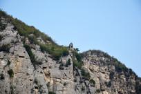 灰色石头山峰图片