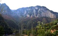 连绵山脉自然景观图