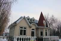 欧式风格尖顶小屋