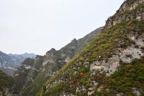 山岭重重风景图