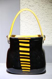 玻璃工艺品黑色女士手提包