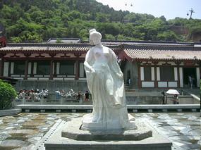 古代少女人像雕塑